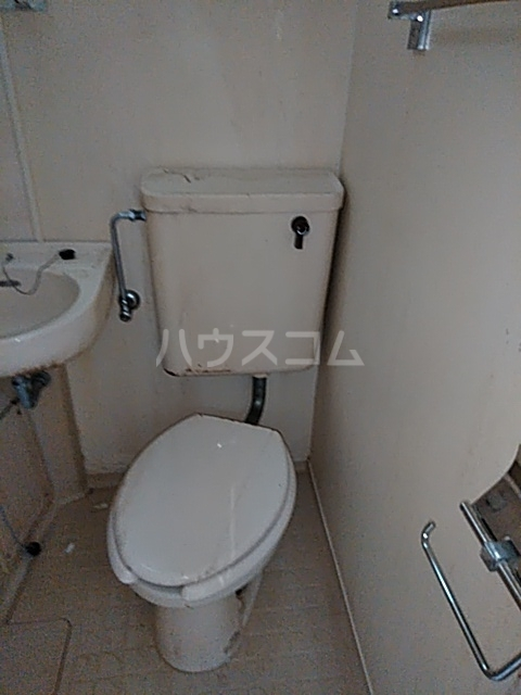 ローズアパートQ52番館 105号室の洗面所