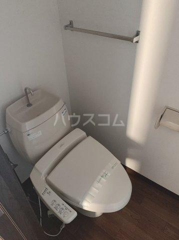 グランデュールドーマA 205号室のトイレ