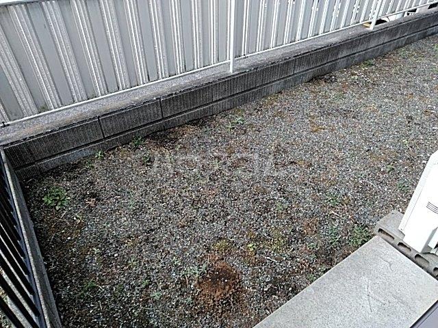 コーポラスクレイン 101号室の庭