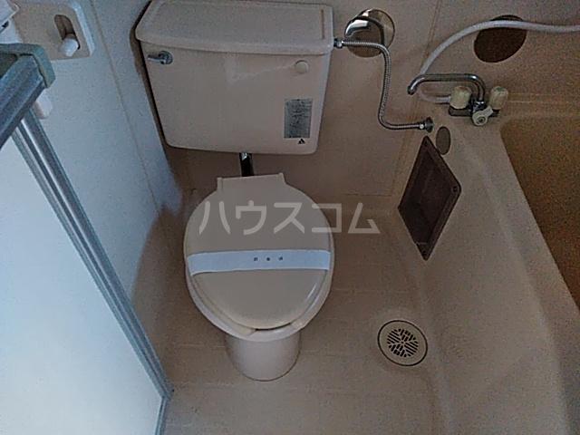 コーポラスクレイン 101号室のトイレ