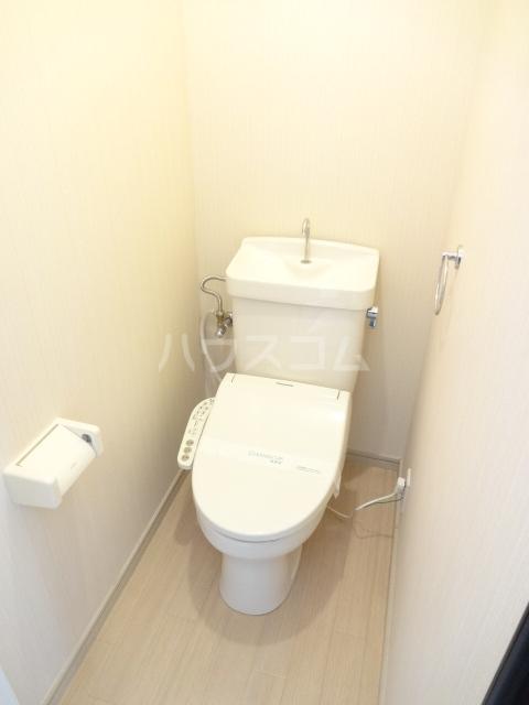 サイレンス2 101号室のトイレ