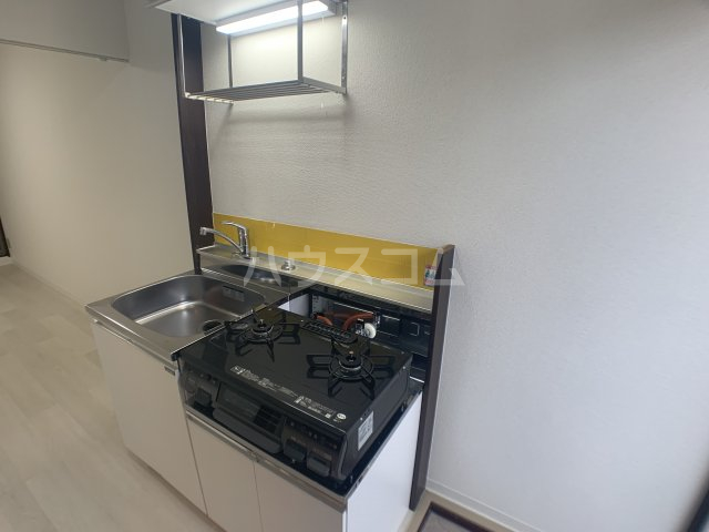 幕張.COM 102号室のキッチン
