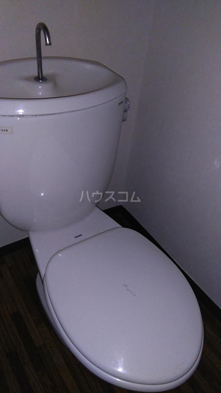 メイジー・S 101号室のトイレ