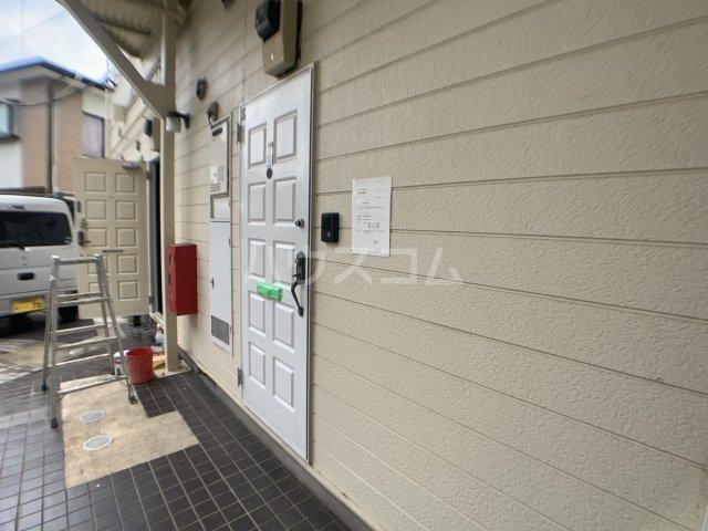 カーサフロール 津田沼 212号室のエントランス