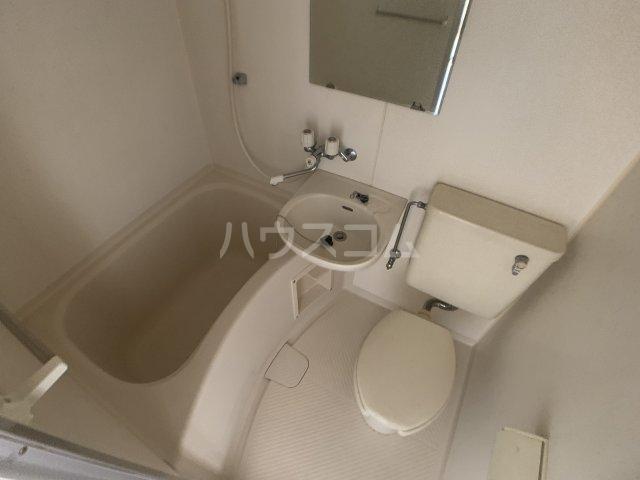 カーサフロール 津田沼 212号室の風呂