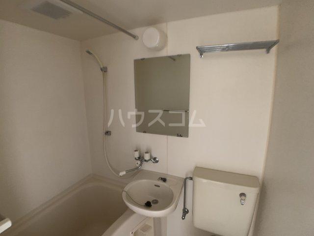 カーサフロール 津田沼 212号室の洗面所