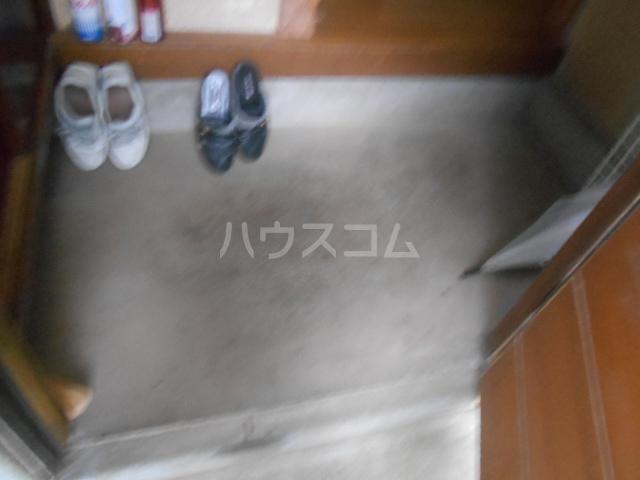 松本荘 A号室の玄関