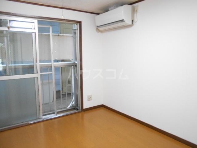 リバーハイツⅠ 103号室のリビング