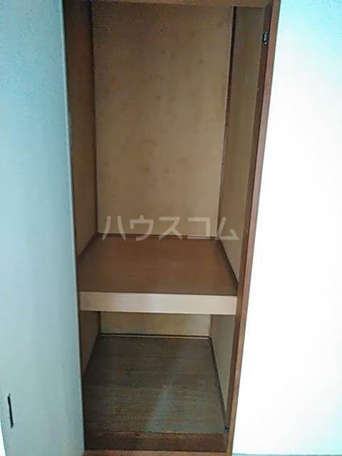 メゾンラフォーレ 102号室の収納