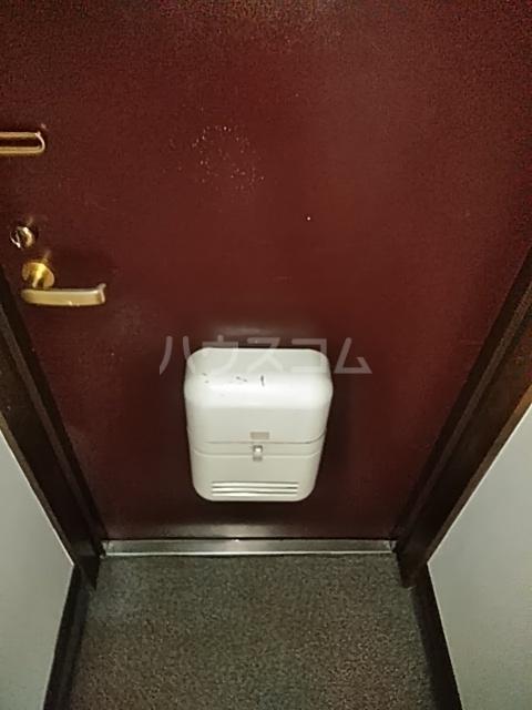 レジデンスGOOD 103号室の玄関