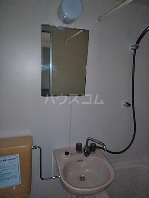 レジデンスGOOD 103号室の洗面所
