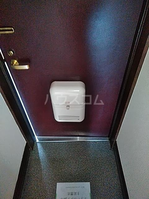 レジデンスGOOD 105号室の玄関