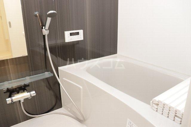 ロックフォレスト 301号室の風呂