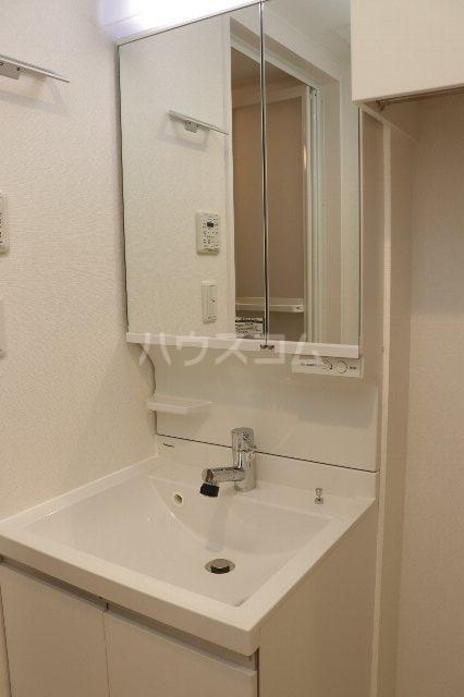 ロックフォレスト 301号室の洗面所
