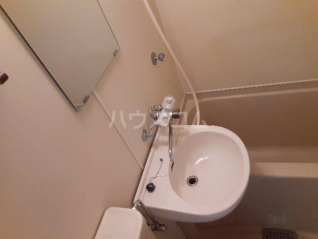 Azur新守山 107号室の洗面所