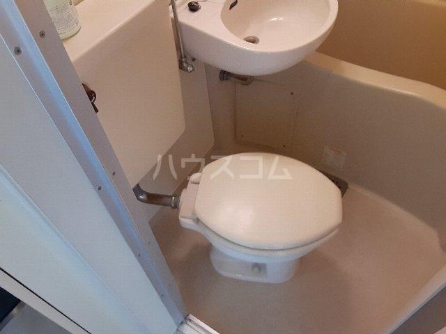 Azur新守山 107号室のトイレ