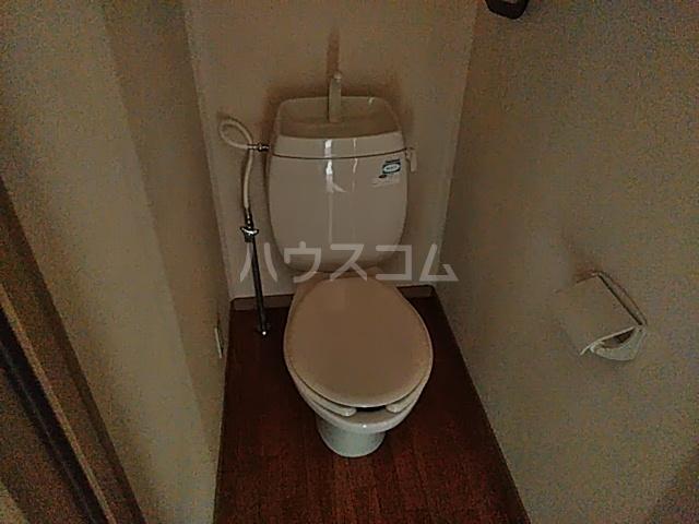 ロワール湘南 B 104号室のトイレ