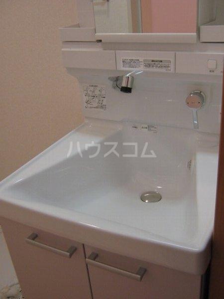 アートタウン ハル 103号室の洗面所