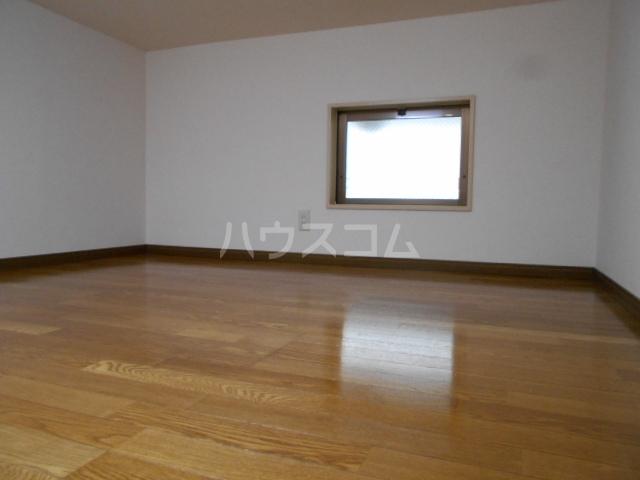パールハイツ 102号室の収納
