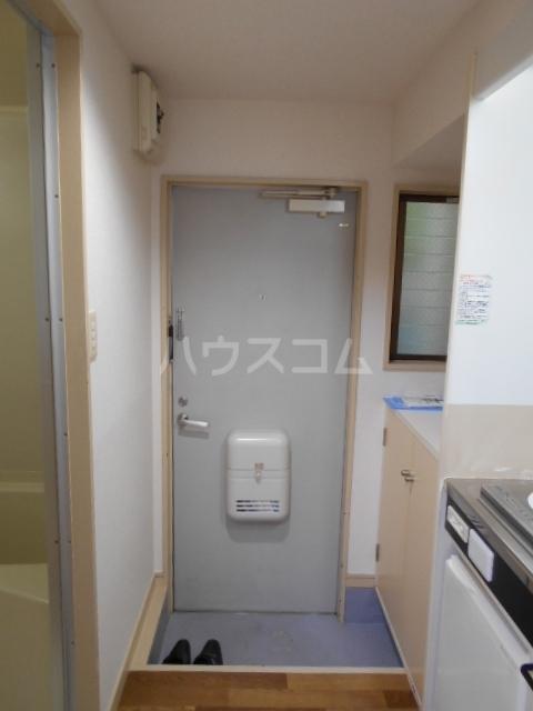 パールハイツ 102号室の玄関
