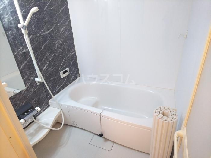 フォンターナ A棟 102号室の風呂