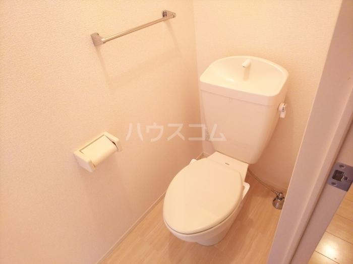 フォンターナ A棟 102号室のトイレ