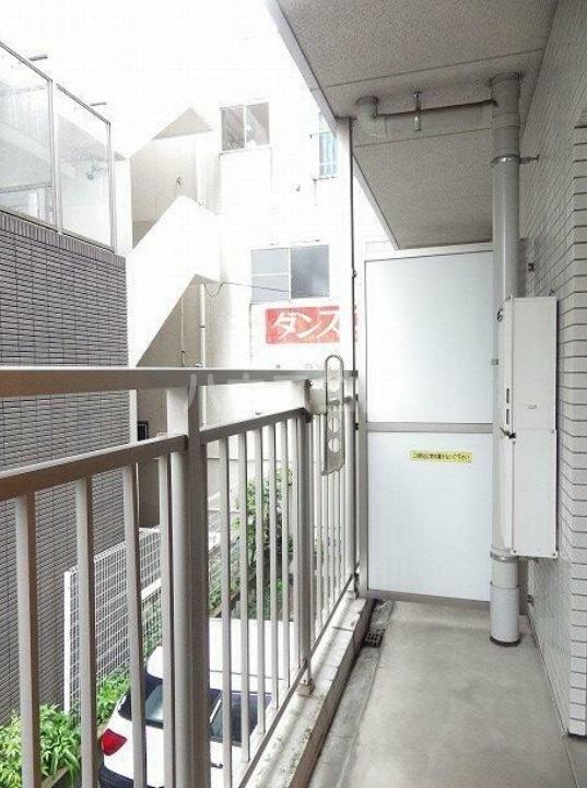 雅マンション湘南台 203号室のバルコニー