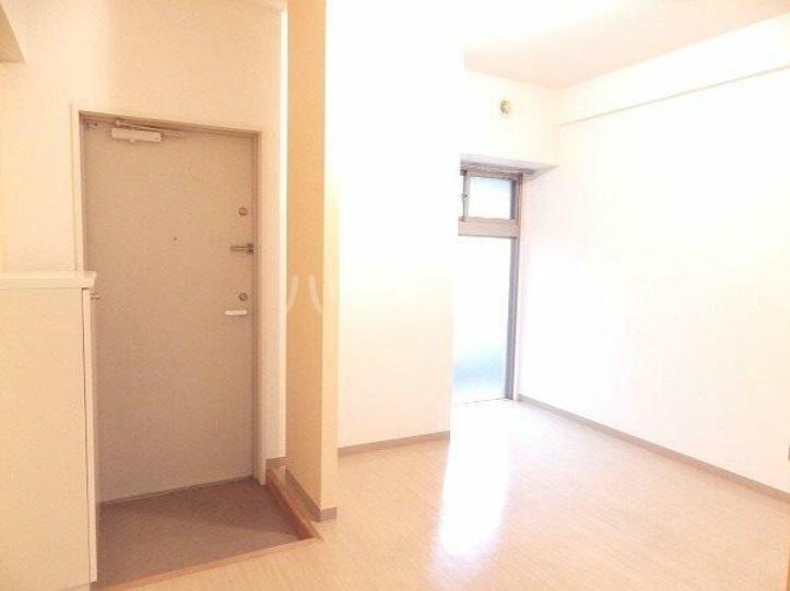 雅マンション湘南台 203号室のリビング