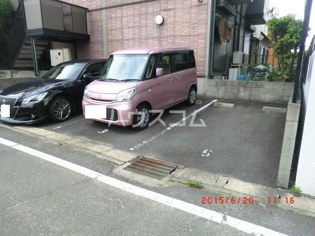 ファミーユ本地ケ原 201号室の収納