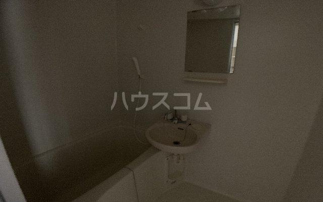 カーサモンフォール 105号室の風呂