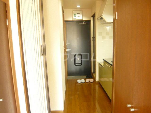 アークス太子堂 305号室の玄関