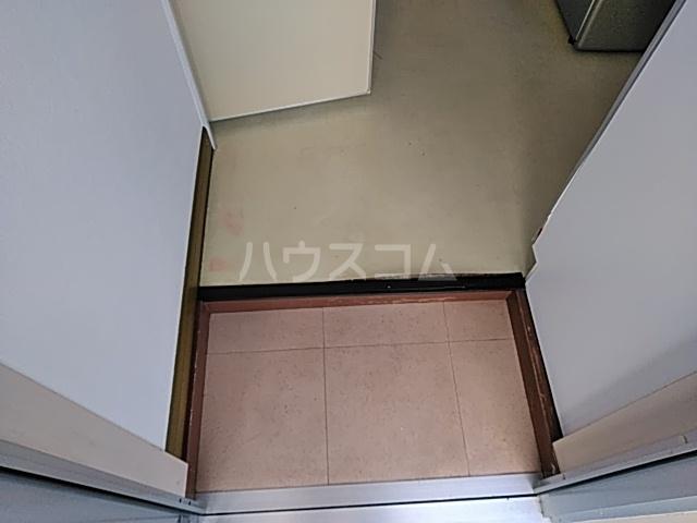 三井ハイツ 203号室の玄関