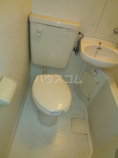 ジュネパレス船橋第37 101号室のトイレ