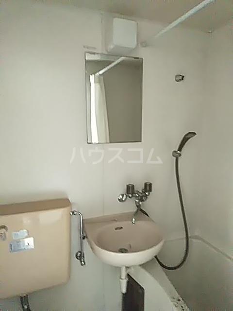 シャトー若杉 203号室の洗面所