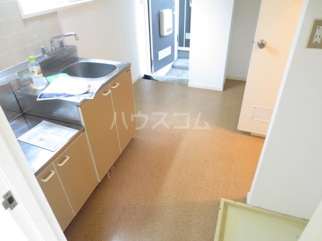 グリーンウェーブ・吉野 201号室のキッチン