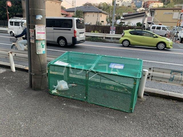 コスモ横浜保土ヶ谷 514号室のエントランス