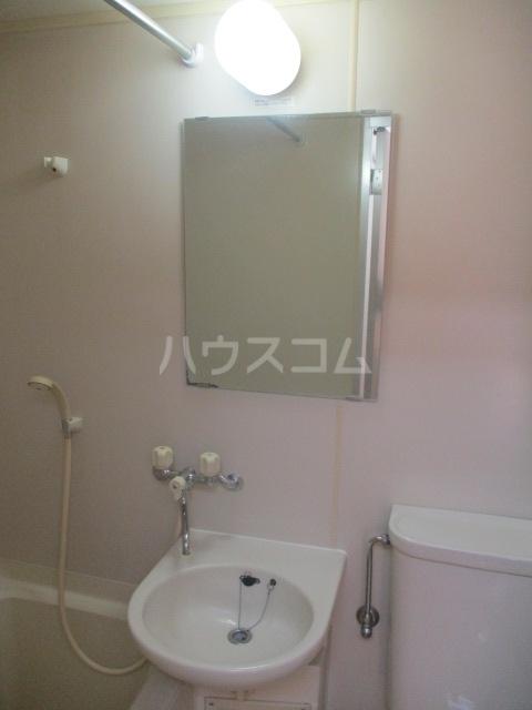 グランデールK 105号室の洗面所
