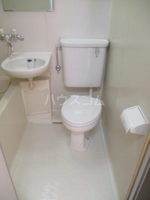 グランデールK 105号室のトイレ
