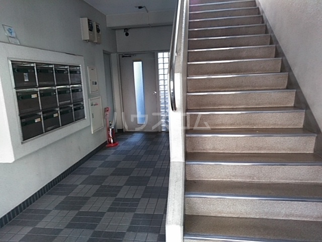 グレースホーム 305号室のエントランス
