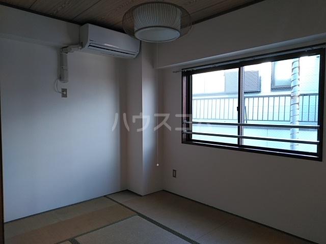 グレースホーム 305号室の居室