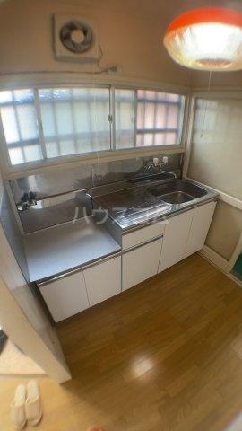 サンハイツ三山 102号室のキッチン