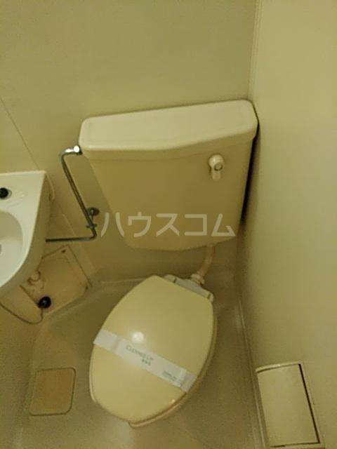 ジョイフル浦安 302号室のトイレ