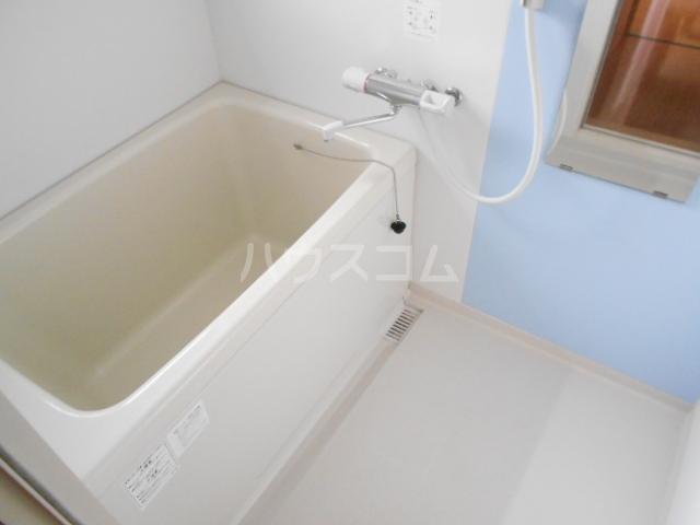 ピュアハウス 203号室の風呂