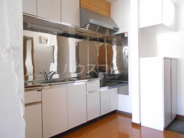 ピュアハウス 203号室のキッチン
