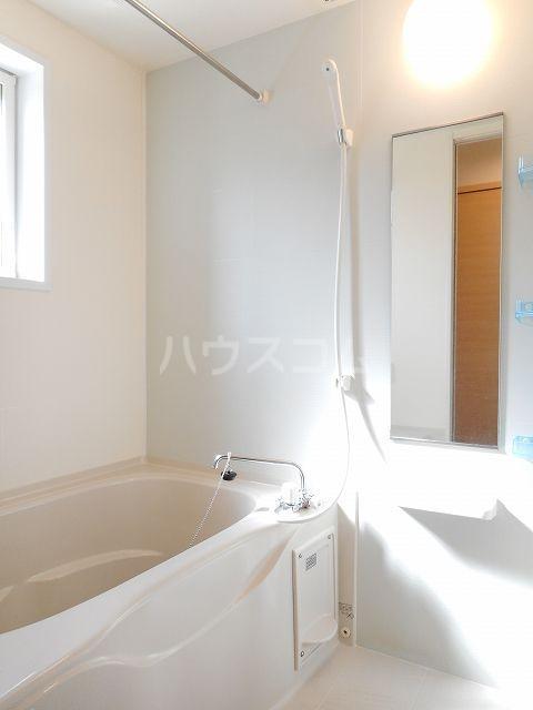 クラール・ブリーゼⅠ 01010号室の風呂