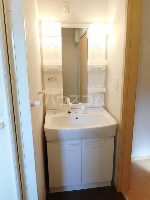クラール・ブリーゼⅠ 01010号室の洗面所