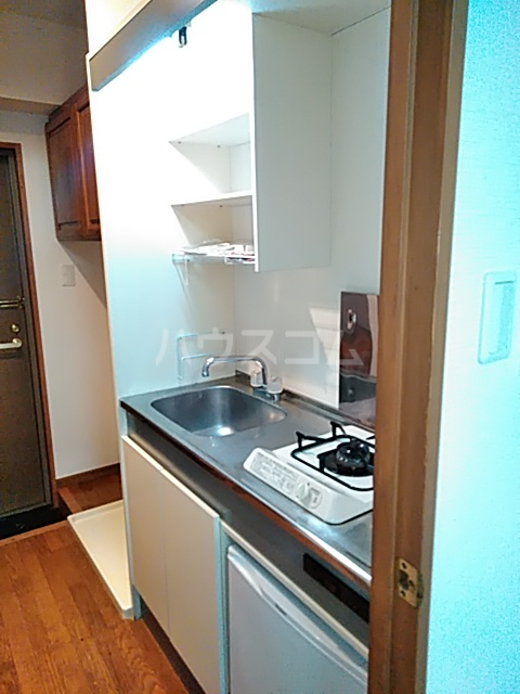 ラ・フォーレ日吉 203号室のキッチン