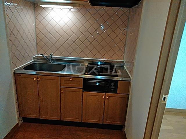 メゾン・デュ・オーラ山下町 602号室のキッチン
