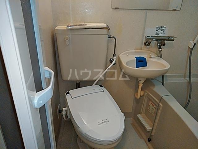 メゾン・デュ・オーラ山下町 602号室のトイレ