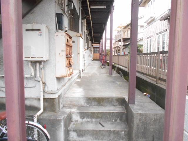 ハイネスジュン 205号室の駐車場